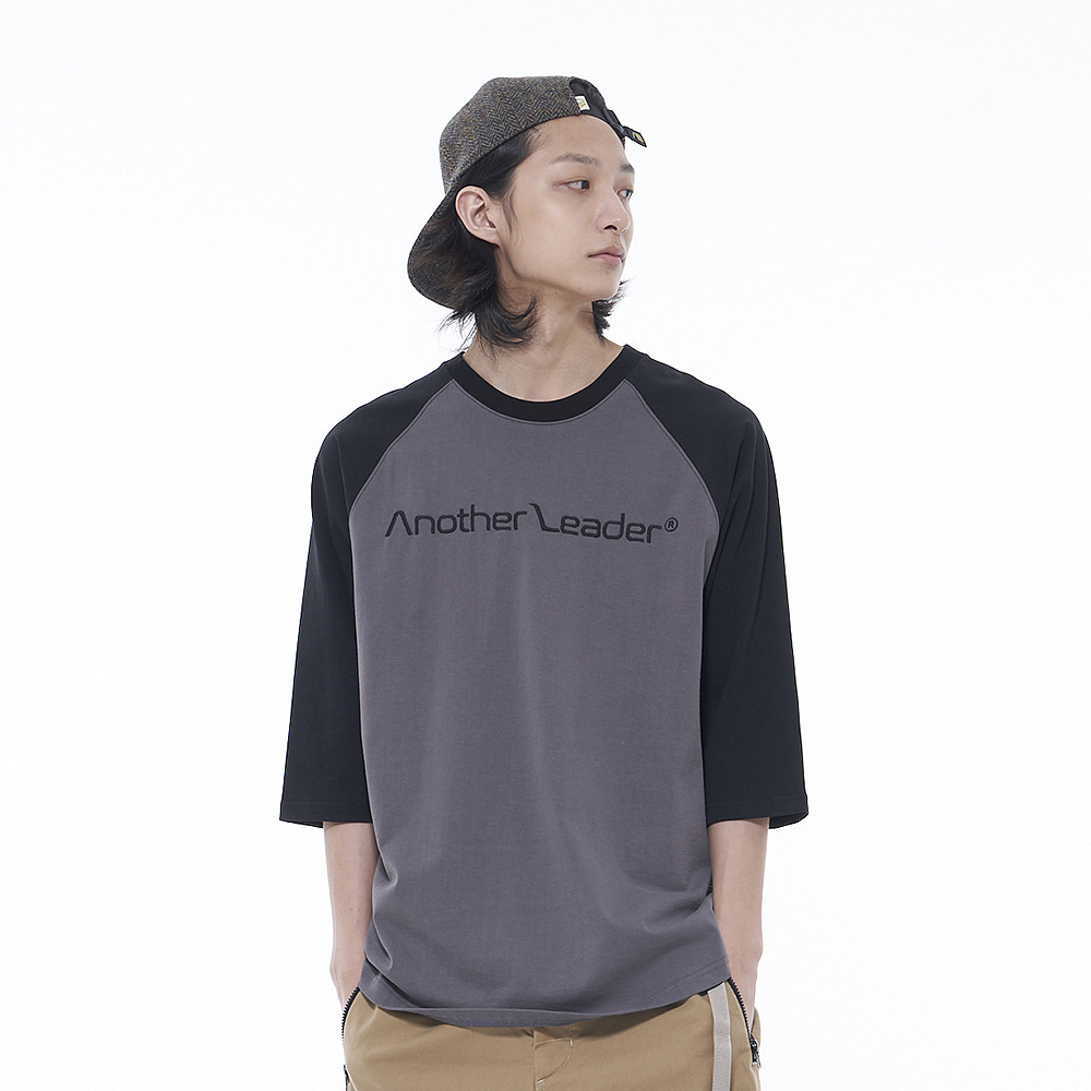 Colour Raglan Sleeve (Black)